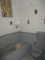 11J6U00334: Bathroom 3