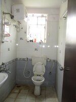 15F2U00218: Bathroom 2