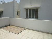 13M5U00639: Balcony 1