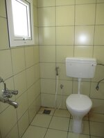 15A4U00462: Bathroom 6