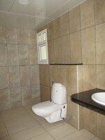15A4U00462: Bathroom 1