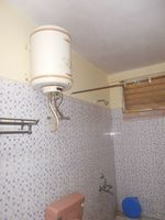 13M3U00412: Bathroom 2