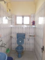 13M3U00412: Bathroom 1
