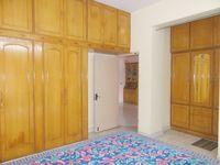 13M3U00412: Bedroom 1