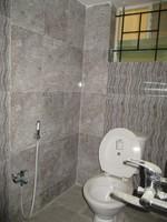 11J6U00212: Bathroom 1