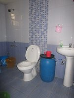 13J6U00572: Bathroom 1