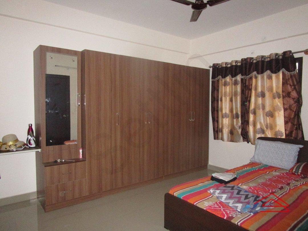 13J6U00572: Bedroom 1