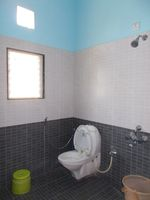 13J1U00149: Bathroom 1