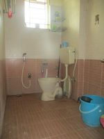 12M3U00040: Bathroom 1