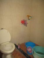 13A4U00132: Bathroom 2