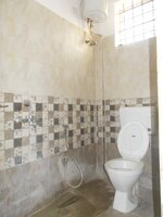 15M3U00178: Bathroom 1