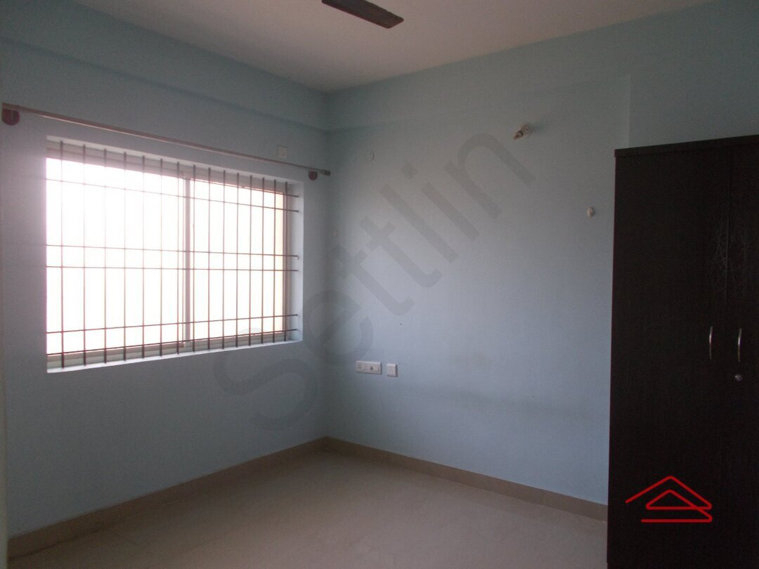 15M3U00178: Bedroom 1