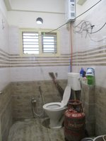 14J1U00260: Bathroom 2