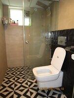 15J6U00038: Bathroom 1