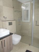 12DCU00115: Bathroom 3