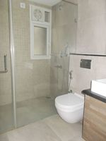 12DCU00115: Bathroom 1