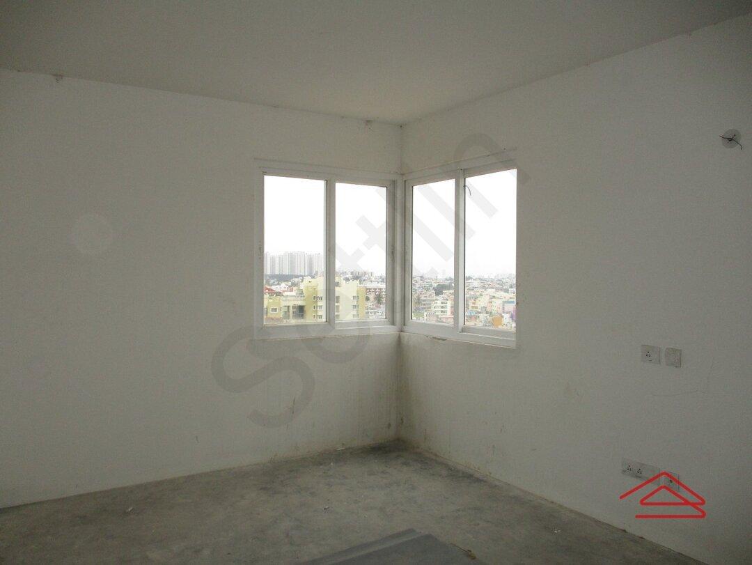 15S9U01221: Bedroom 1