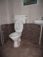 4th-1B: Bathroom