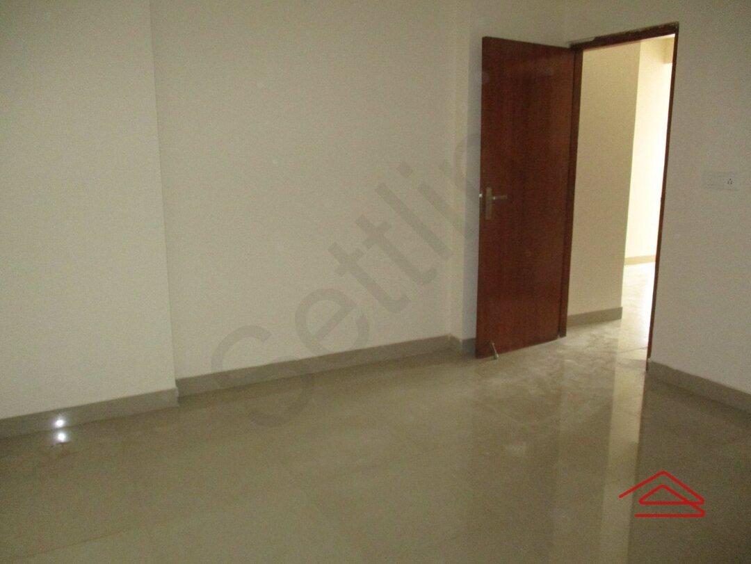 15S9U01215: Bedroom 1