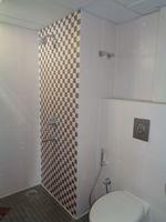 12OAU00166: Bathroom 2