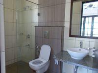 13M3U00139: Bathroom 5