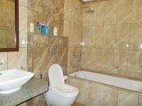 13M3U00139: Bathroom 2