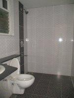 14J6U00275: Bathroom 2