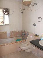 11NBU00626: Bathroom 1