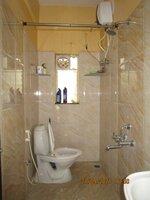 15S9U00355: Bathroom 2