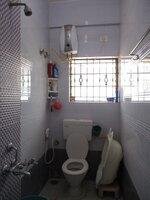 15J7U00470: Bathroom 2