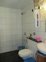 15S9U01084: Bathroom 1