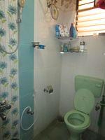 13M5U00739: Bathroom 1
