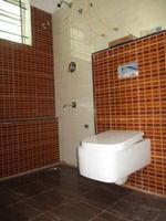 10A8U00221: Bathroom 1