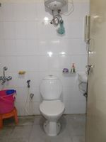 12S9U00088: Bathroom 1