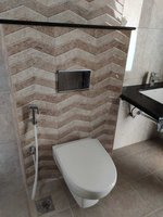 13DCU00516: Bathroom 3