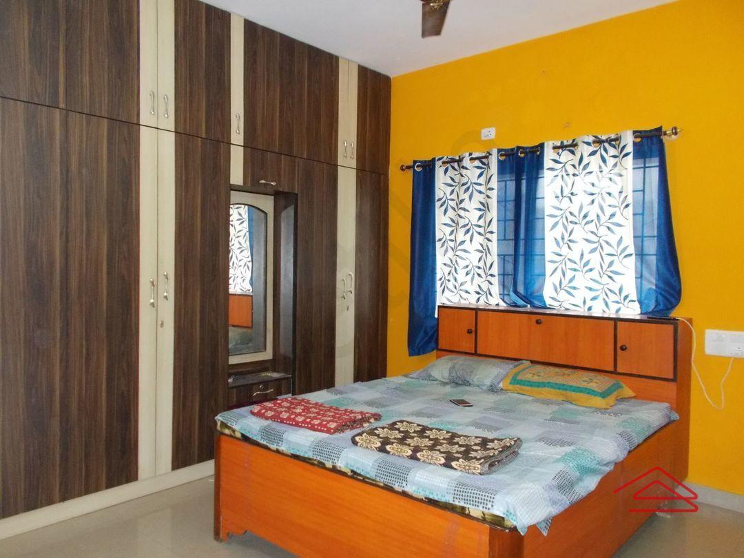 13J1U00207: Bedroom 1