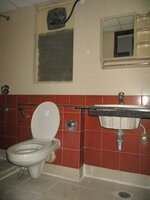 15OAU00157: Bathroom 2