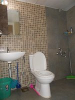14F2U00206: Bathroom 1