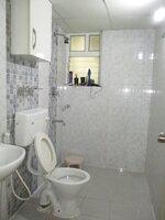 15J7U00075: Bathroom 2