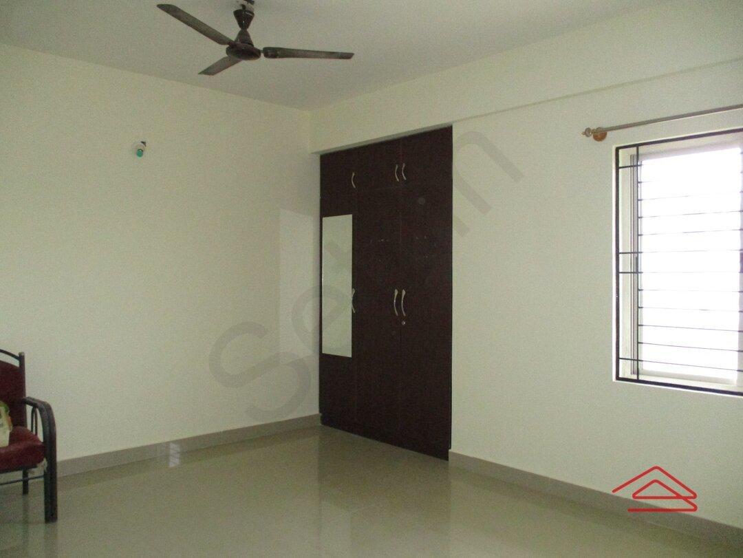 15A8U01022: Bedroom 1