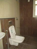 13J1U00163: Bathroom 2