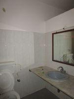 13M3U00398: Bathroom 2
