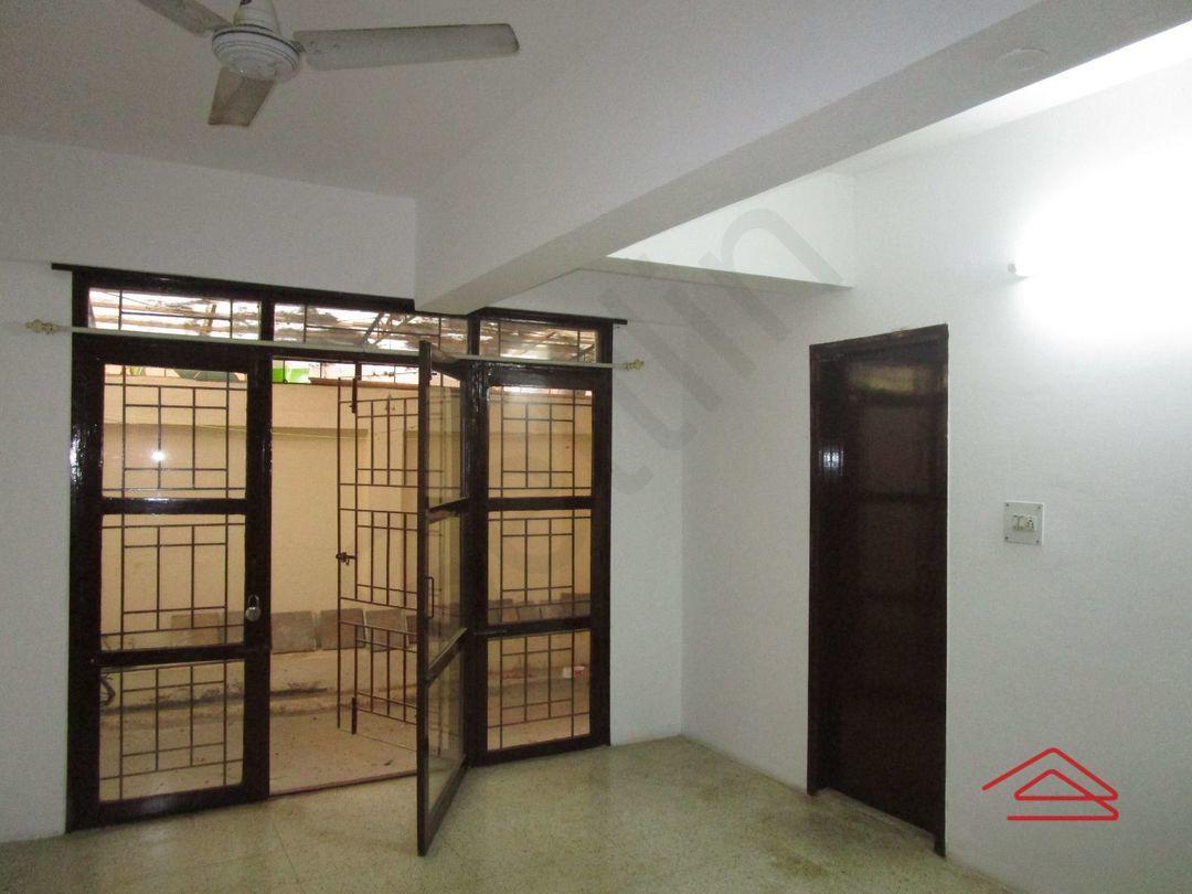 13M3U00398: Bedroom 1