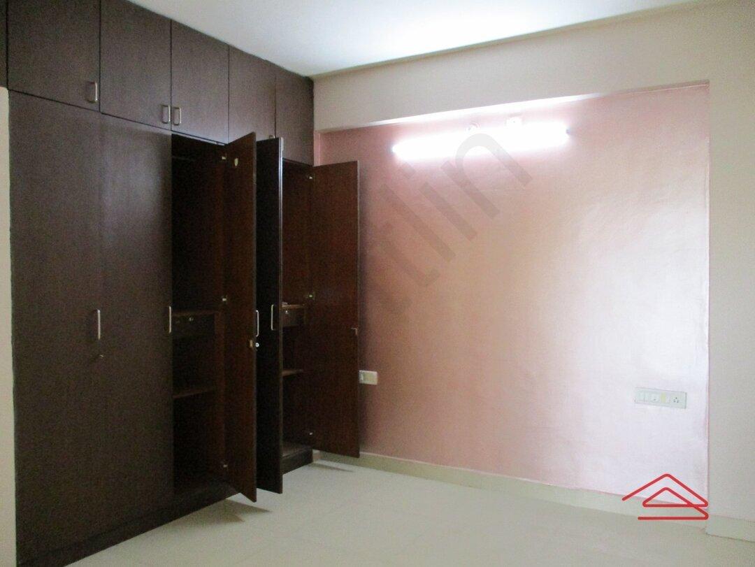 15A4U00110: Bedroom 1