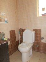 13NBU00172: Bathroom 1
