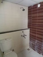 12S9U00076: Bathroom 1