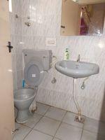 13M5U00018: Bathroom 1