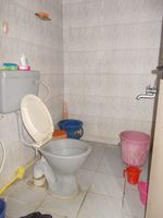 13M5U00018: Bathroom 2