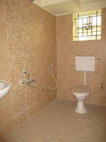 14J1U00434: Bathroom 2