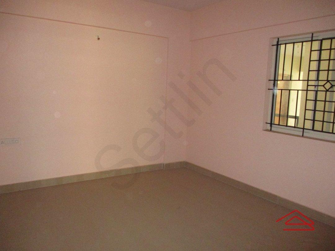 14J1U00434: Bedroom 1